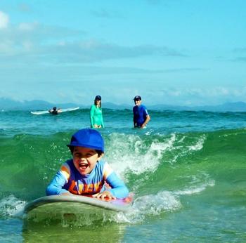 surf lessons byron bay australia